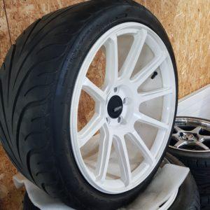Cosmis K15.1 9.5×18 ET35 5×114 mit 265/35R18 Federal Reifen